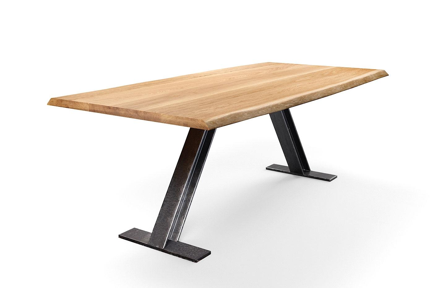 Baumkantenesstisch aus Eiche mit Stahlträger Tischgestell