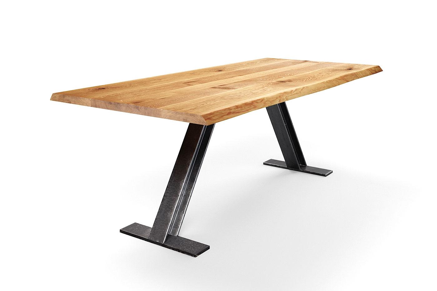 Esszimmertisch mit Baumkanten Eiche auf Maß