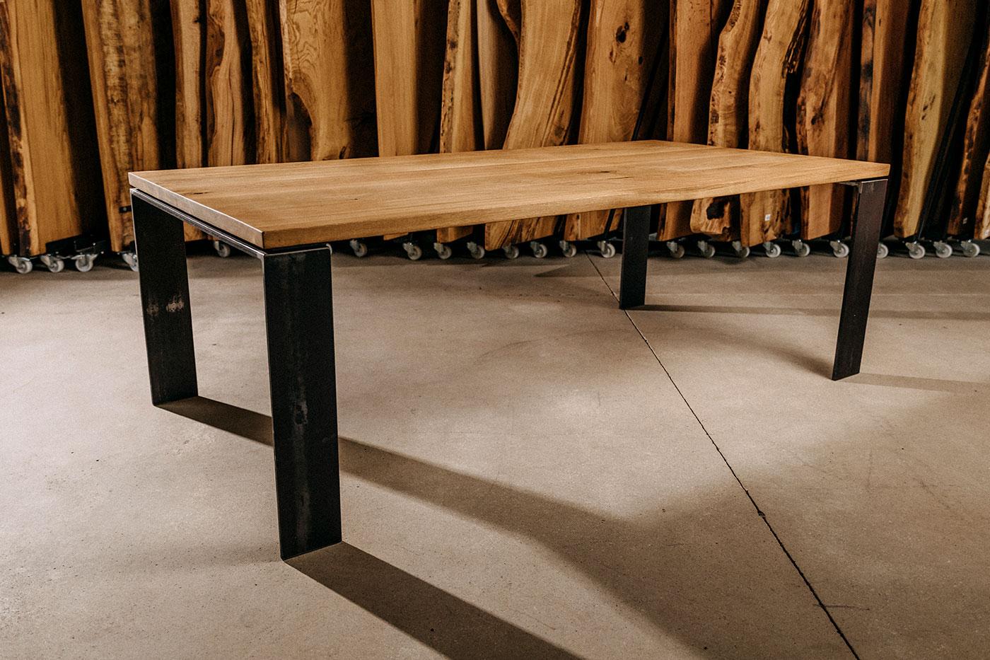Esstisch Eiche modern mit Stahl Tischbeinen