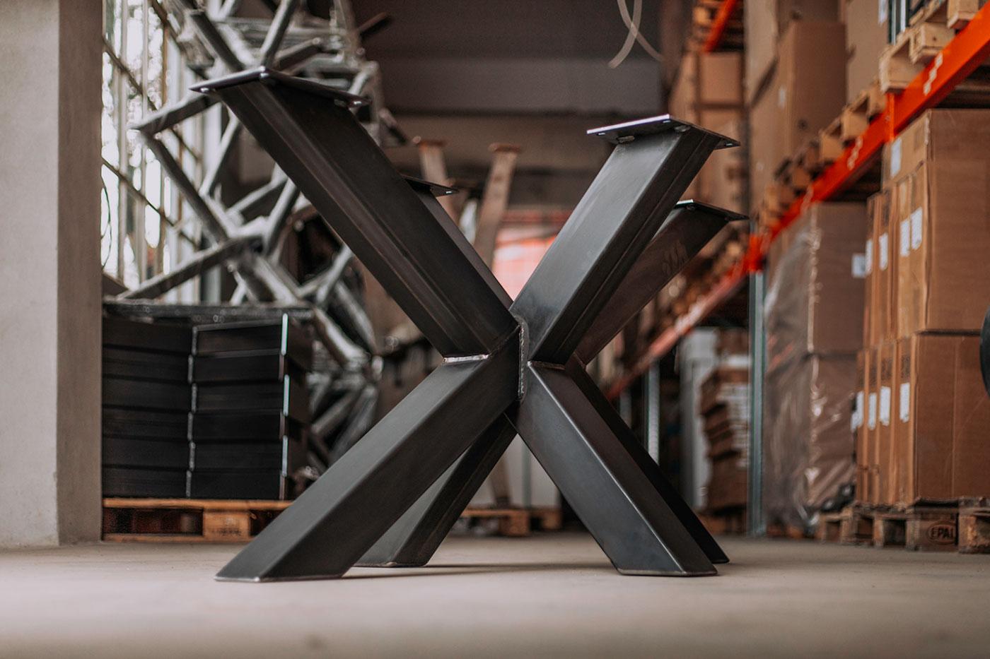Tischuntergestell Bolk aus Rohstahl Festgröße