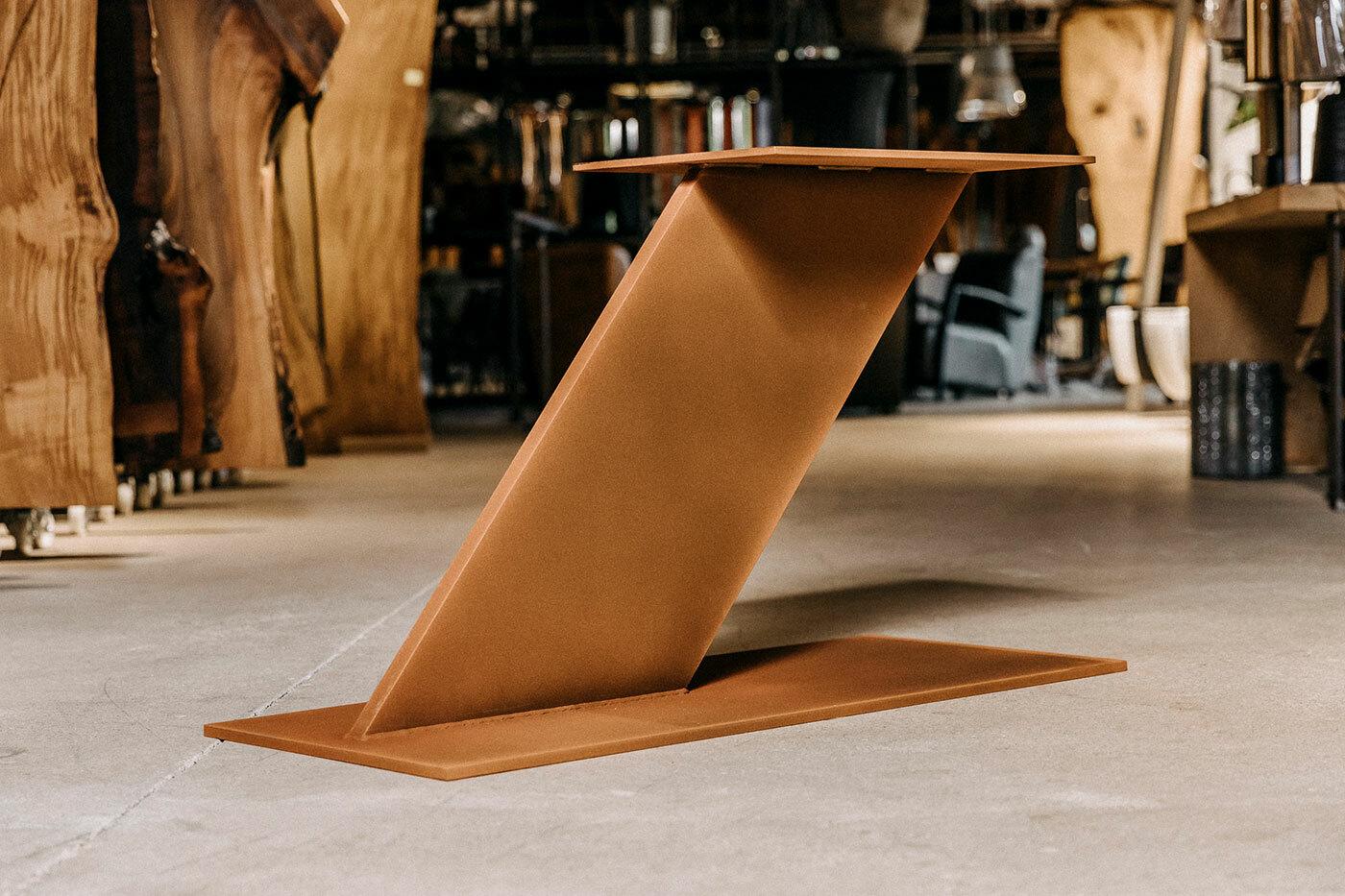 Metall Mittelfuß Tischgestell schräg Jayden Rust
