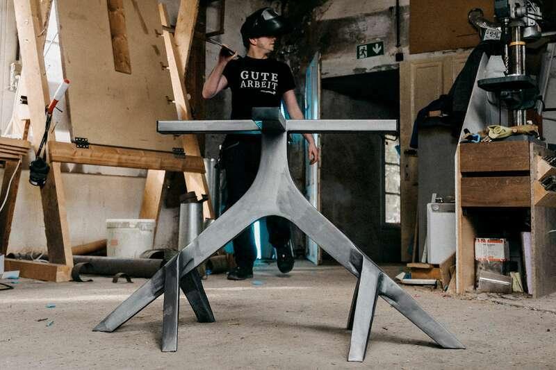 Tischuntergestell modern Mittelfuß Tylon auf Maß
