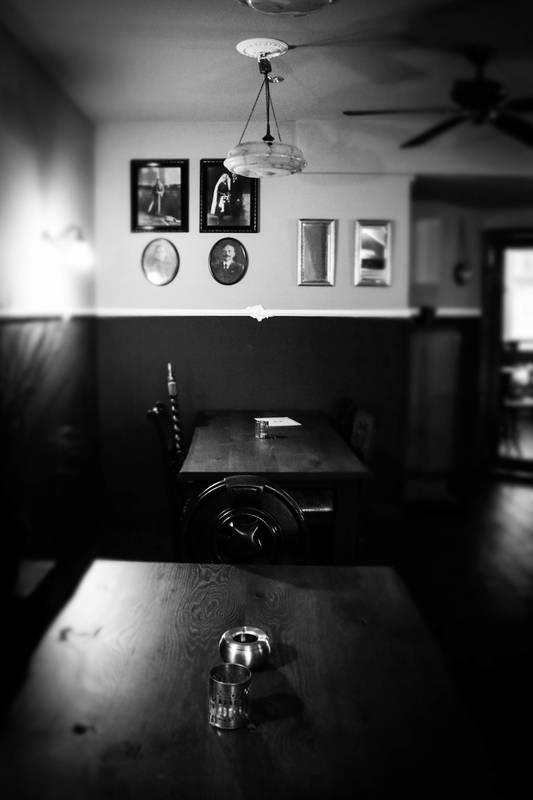 Kundenbild 10 Eiche Tischplatte massiv mit Baumkante nach Maß