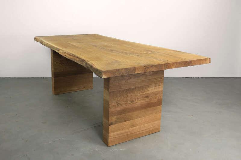 Holztisch massiv auf Maß Vibor Eiche