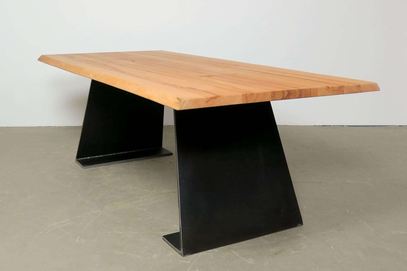 farum massivholztisch auf ma kernbuche. Black Bedroom Furniture Sets. Home Design Ideas
