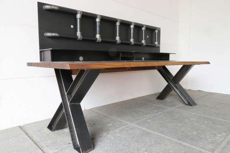 gamer schreibtisch. Black Bedroom Furniture Sets. Home Design Ideas