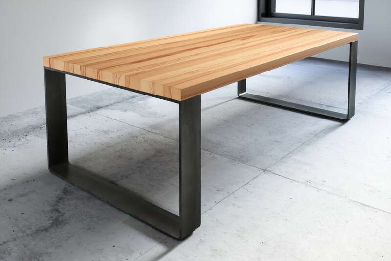 Buche Tisch Arlon 6cm aufgedoppelt mit Stahlband...