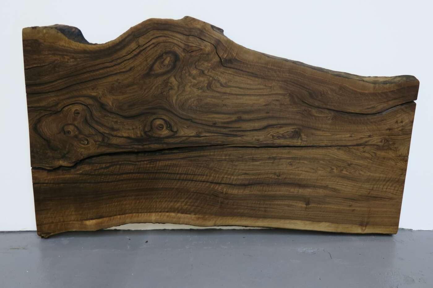 Baumstammtisch europäische Nußbaum | Wohnsektion