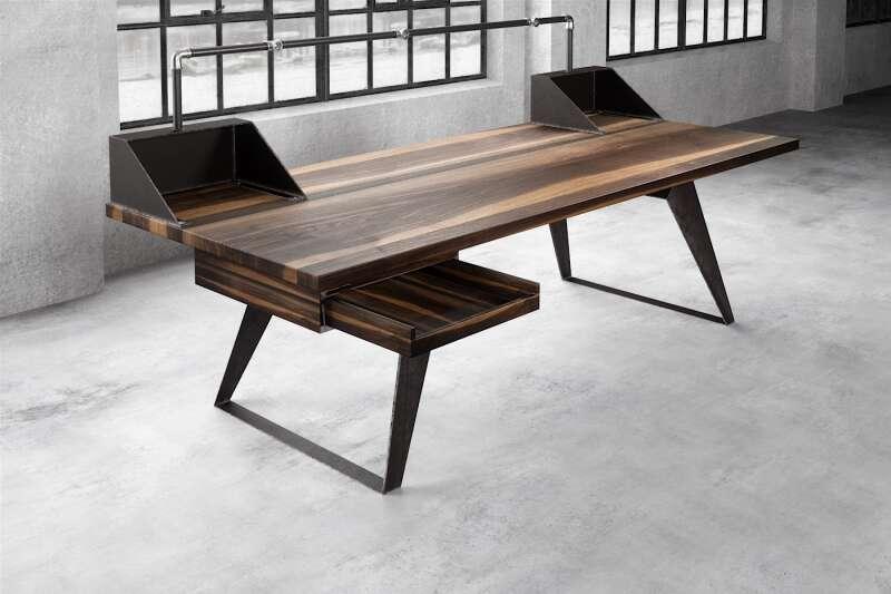 Schreibtisch groß Rewi Nussbaum auf Maß