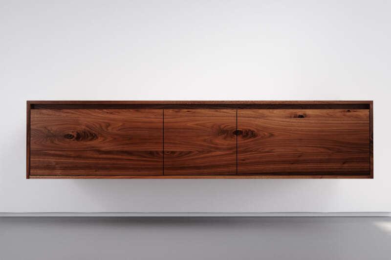 Nussbaum Massivholz Sideboard hängend mit 3 Schubladen
