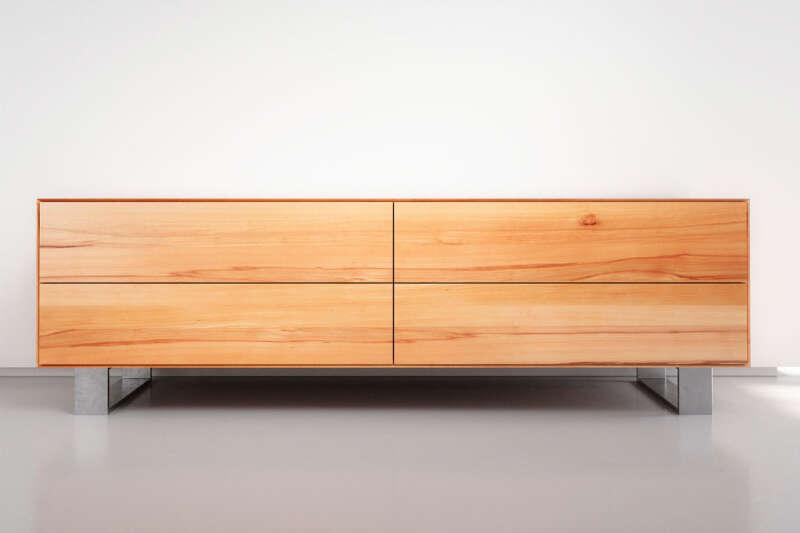 Modernes Massivholz Lowboard nach Maß