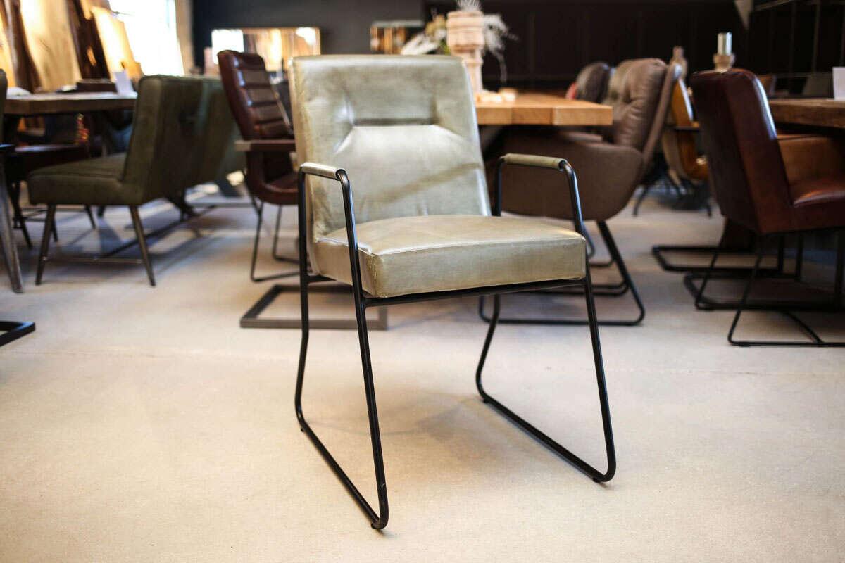 Minimal Design Lederstuhl Juan