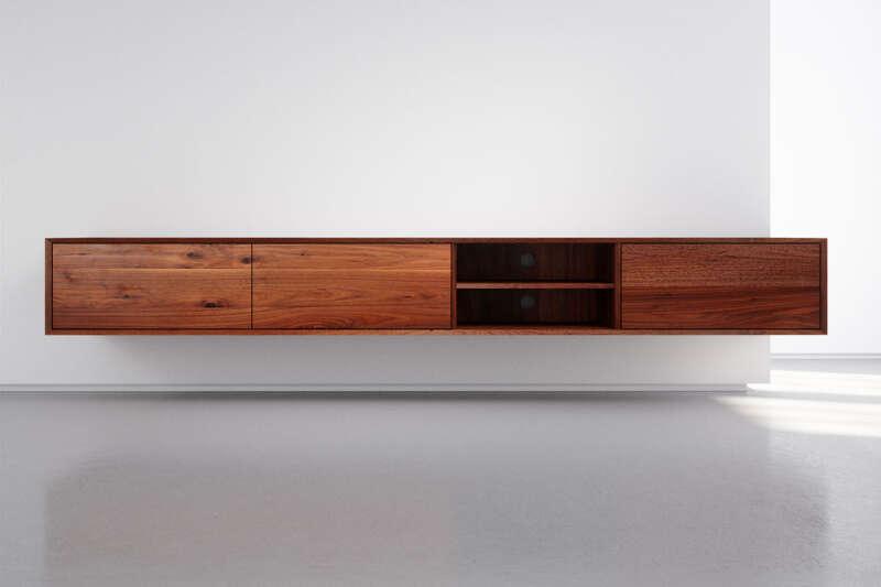 Design TV Lowboard hängend Nussbaum massiv