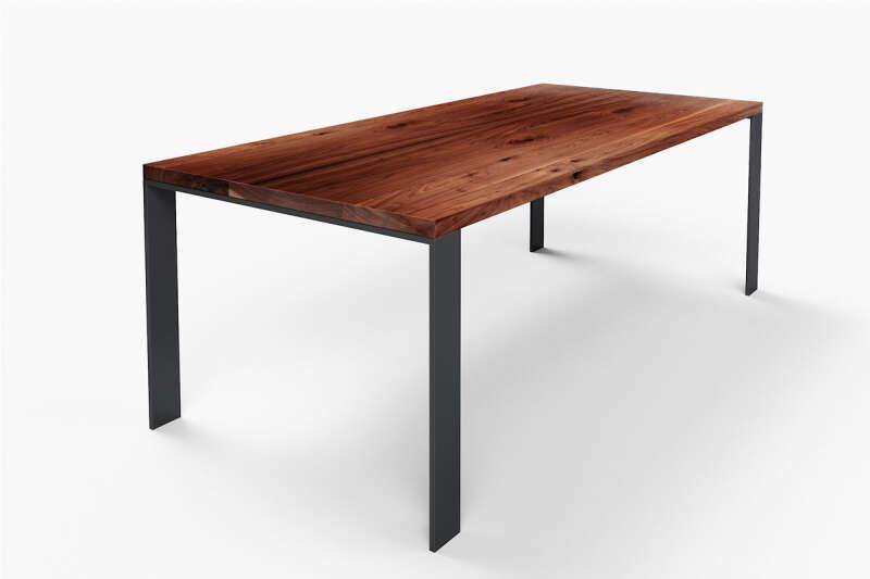 Nussbaumtisch modern Hartok mit Stahlband Tischfüßen