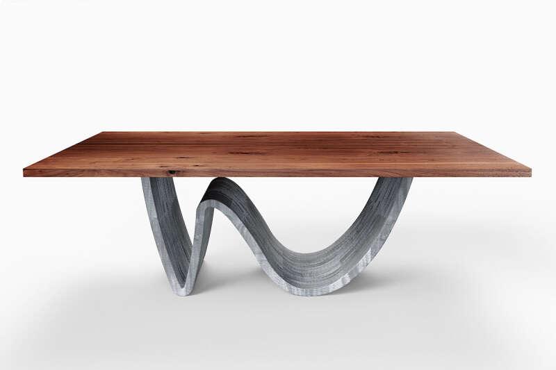 Nussbaumtisch mit Wave Tischgestell Brandung