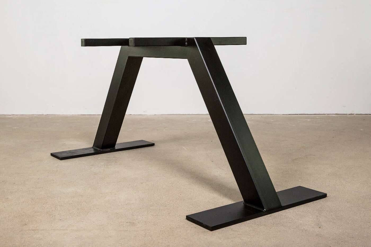 Stahl Tischgestell Corvin nach Maß
