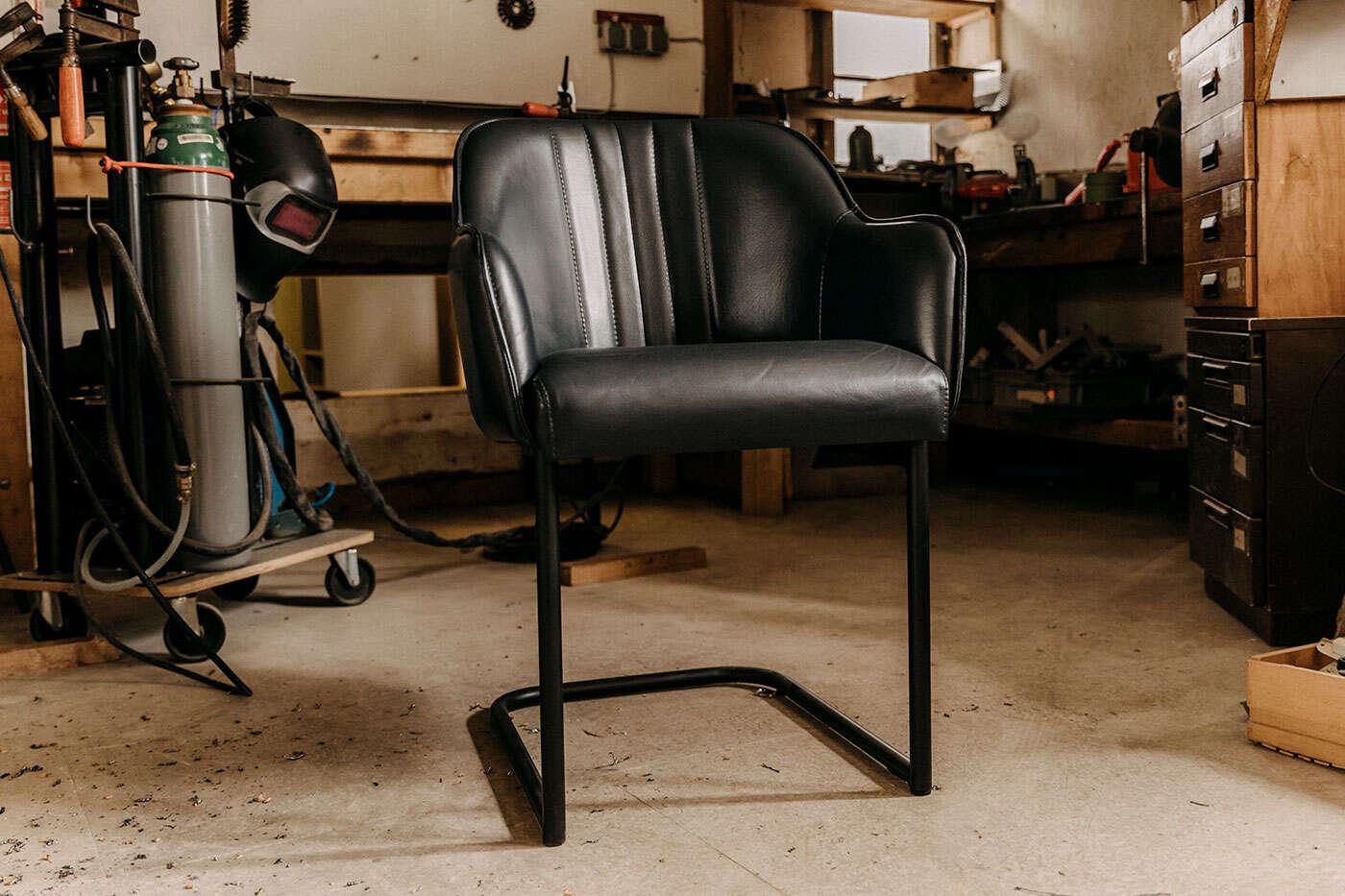 Leder Freischwingerstuhl mit Sitzschale Bari
