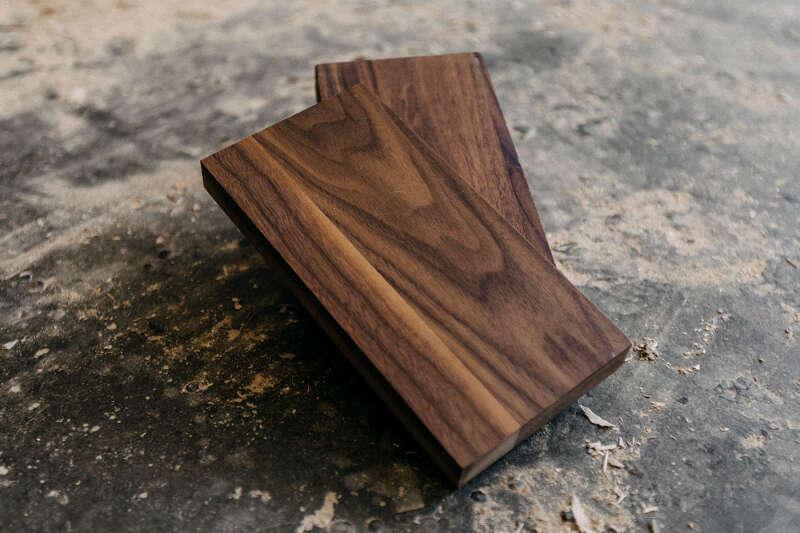 Muster-Set Nussbaum geölt und lackiert (Leihgebühr)