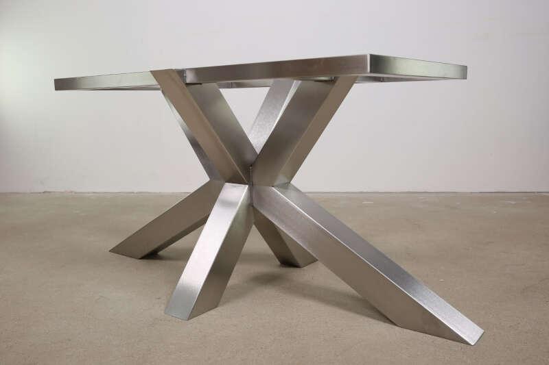 Stahlkreuz Tischuntergestell Ravenna nach Maß